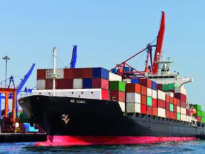 No hay contenedores para mantener el comercio mundial: ¿qué tienen que ver EE. UU. y China?