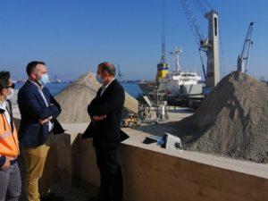 Portsur Castellón opera la descarga de 177.000 toneladas de arcilla